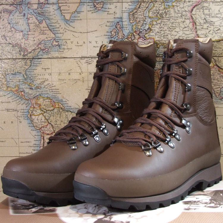 b2ec8508f1b AltBerg Warrior Microlite MkII, MOD Brown Military Boot